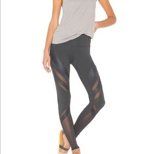 High Waist Epic Legging in Anthracite grey
